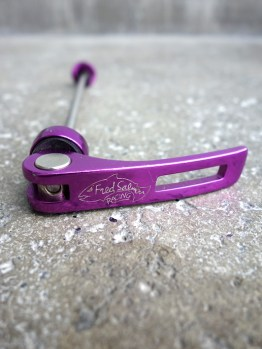 Fred Salmon quick release skewers - Purple