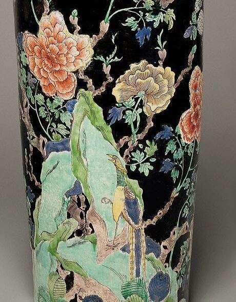 Detail, Chinese Famille Noire-Verte Enamel Rouleau vase