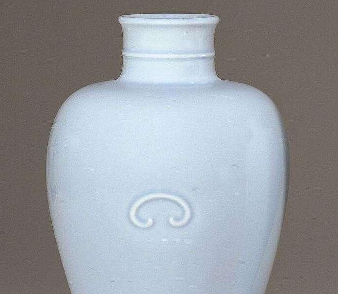 Kangxi Claire-de-lune Meiping Vase