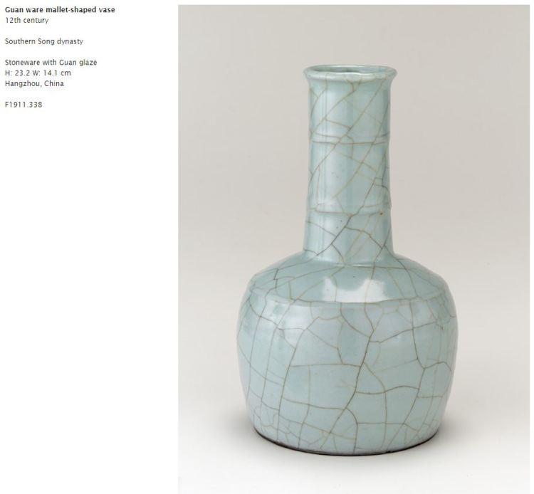 Southern Song Guan Glaze Mallet Vase