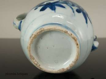 18th C. Chinese Blue and White Tea-pot
