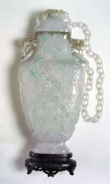 det, 19th C. jadeite Vase with Chains