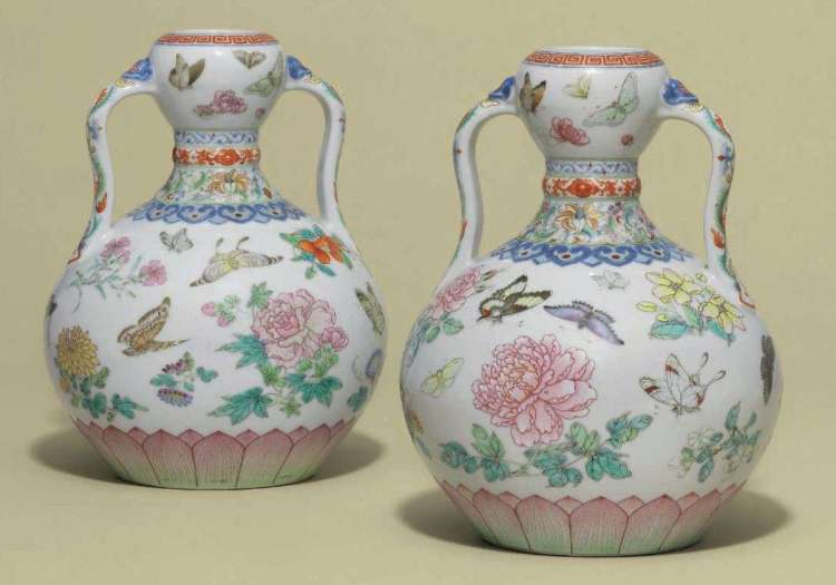 QIANLONG DOUBLE-GOURD VASES WITH AUSPICIOUS DESIGNS