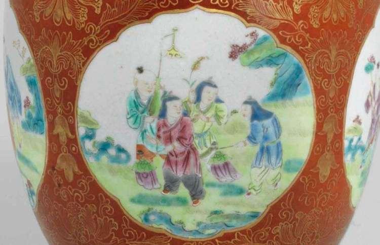 Qianlong Famille Rose vase