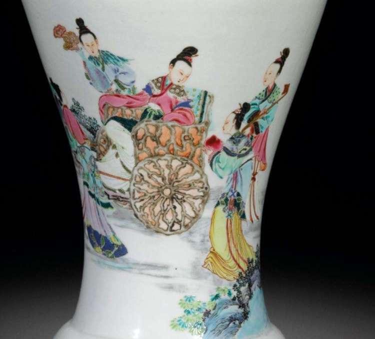 Yongzheng Famille rose vase