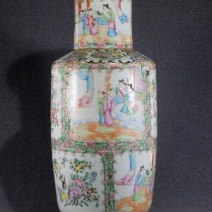 Chinese Canton Rouleau porcelain vase 19th Century