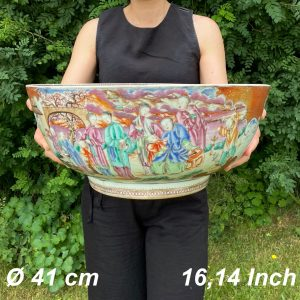 Huge Antique Chinese Monster sized Punch Bowl Qianlong Period 41 cm / 16,1 Inch