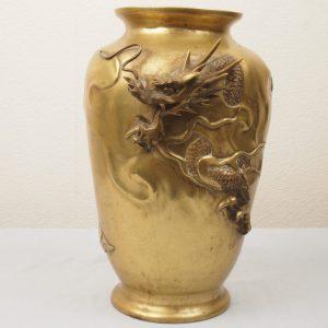 Japan bronze dragon vase