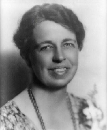 Eleanor_Roosevelt_portrait_1933-494x600 【心に響く名言集】迷ったときに思い出したい言葉~30代編~