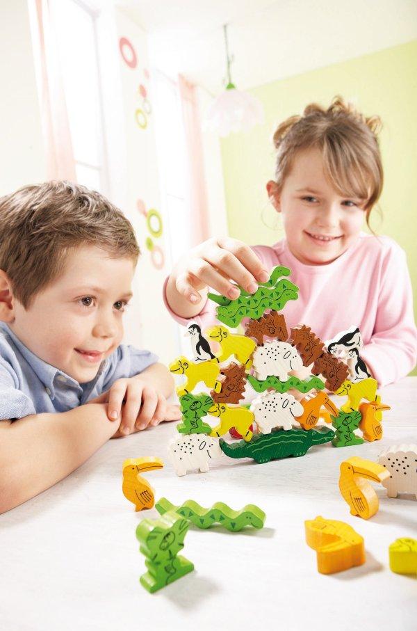 Pyramide d'animaux un jeu d'adresse et d'empilement