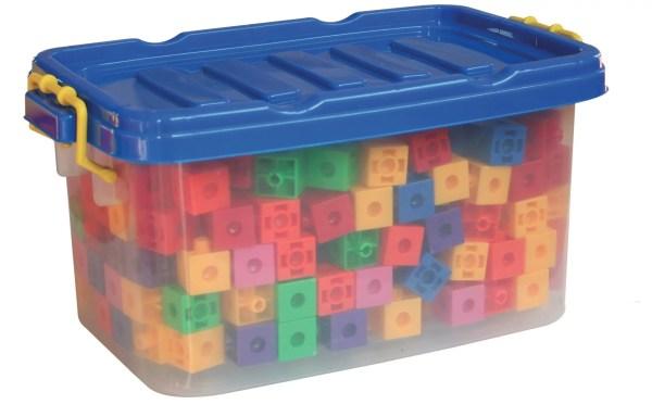 Les cubes de construction 600 pièces sont fabriqués avec du plastique durable, robuste et sans danger pour les enfants.