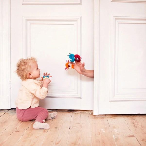 Bébé va adorer dès 3 mois ces quatre marionnettes à doigts sur le thème des animaux de la jungle