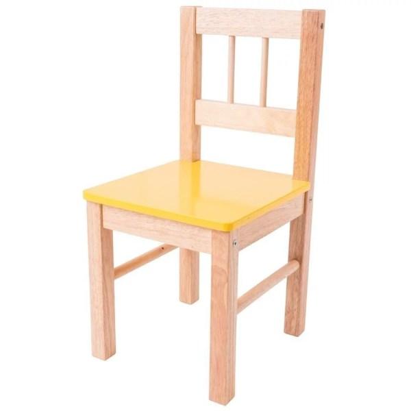 La chaise en bois pour enfant existe avec une assise jaune.
