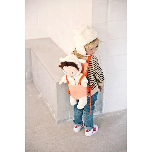 Ce porte bébé est un jouet d'imitation qui séduira toux ceux qui ne peuvent pas se séparer de leur poupée ou de leur poupon favori !