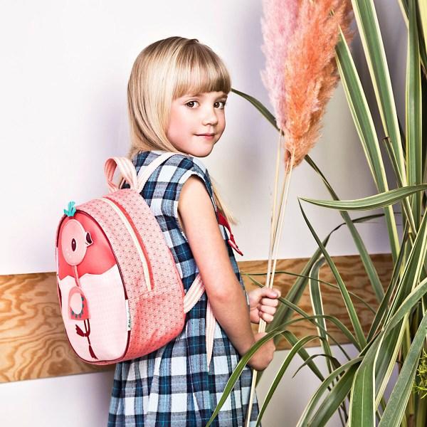 Fabriqué à partir de matières 100% recyclées, le sac à dos Anaïs est 100% écologique et est d'une très grande légèreté.