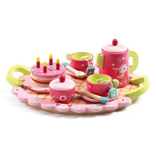 Le goûter de Lili Rose plateau avec 2 tasses 2 cuillère 1 théière 2 sachets de thé en bois un sucrier et un gâteau le tout en bois et de couleur rose