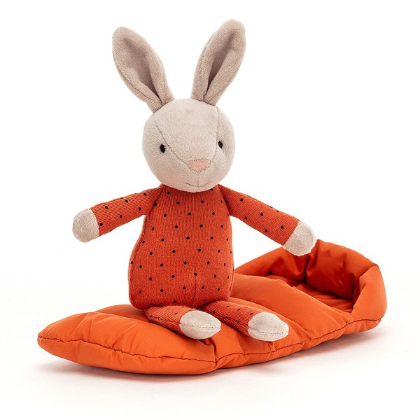 Le doudou Snuggler Bunny est un lapin très câlin qui a enfilé un joli pyjama orange à poids. Il se tient prêt pour aller au lit avec son sac de couchage molletonné de couleur orange assorti au pyjama. Avec ses petites oreilles toutes douces et son nez rose en feutrine, il sera parfait pour bercer Bébé avant de l'endormir.