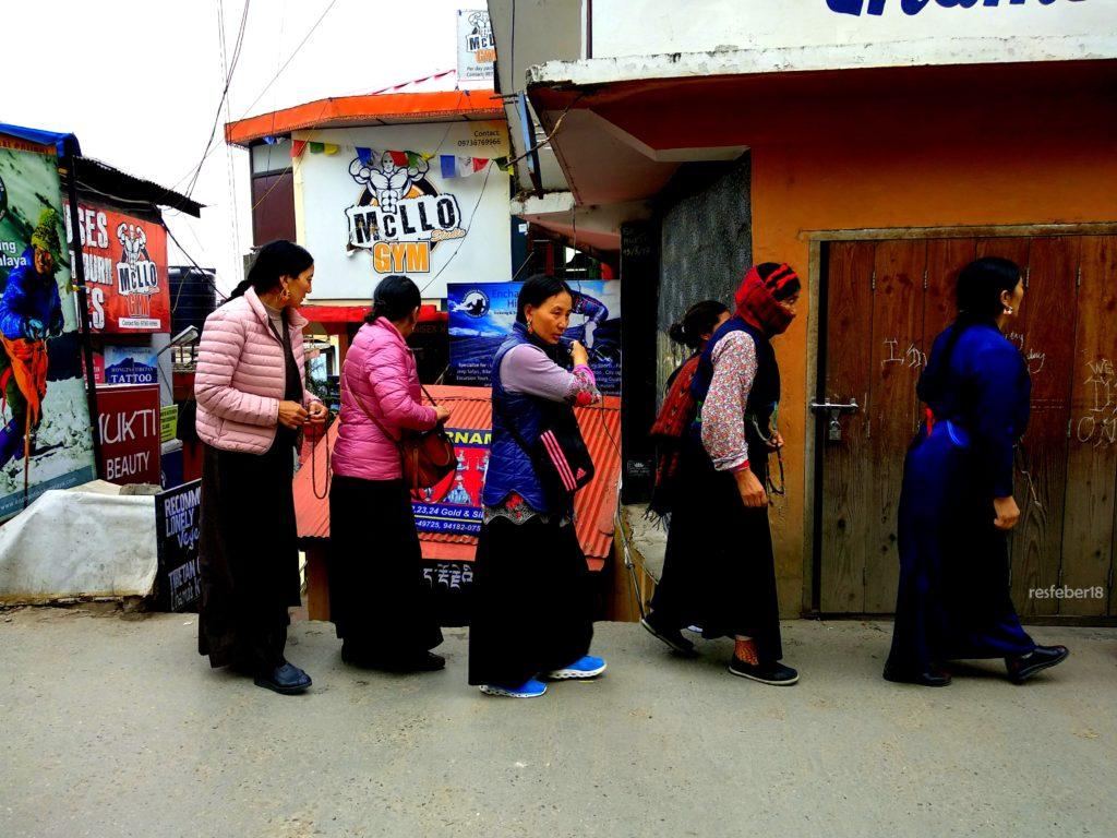 Tibetan Women dressed in Bakkhus