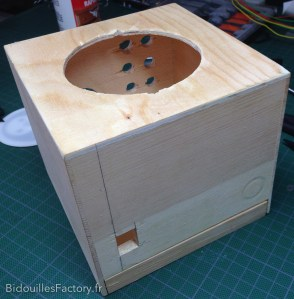La boîte après perçage