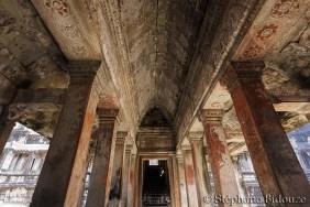 Angkor wat hall