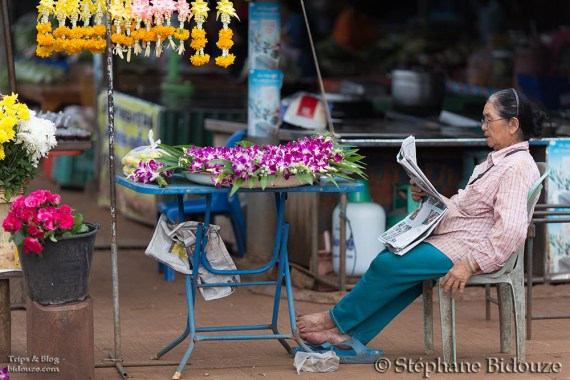 venseuse-thai-offrandes-religieuses