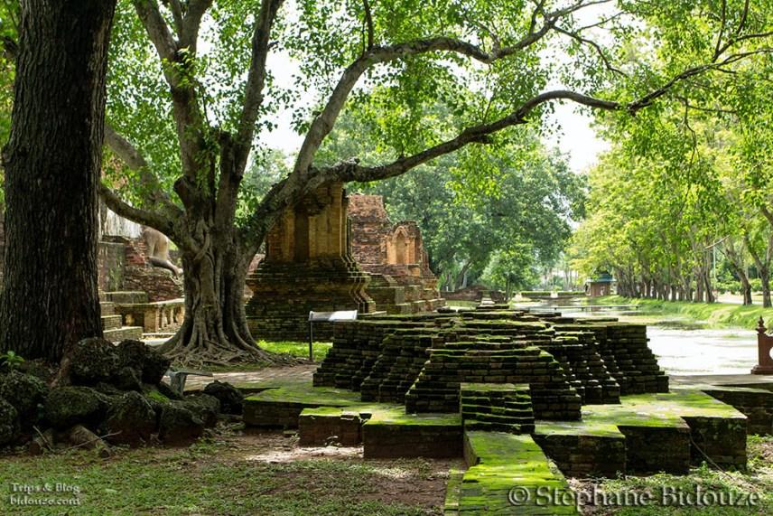 sukhothai-park-ruins