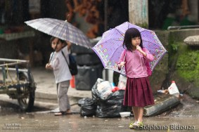 kids-filipino-rain-umbrella