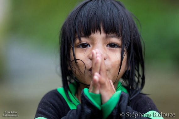 kid-filipino-praying
