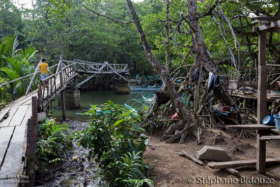 pont-vilage-palawan-philippines