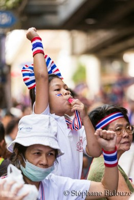 enfant-manifestation-thailande-bangkok