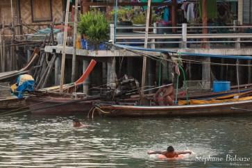 kid-swimming-thai