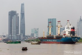 Bitexco-port-ho chi minh-vietnam-bateau