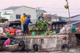 Cai-rang-market-floating