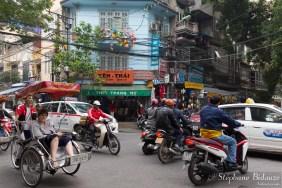 touriste-hanoi-rickshaw-