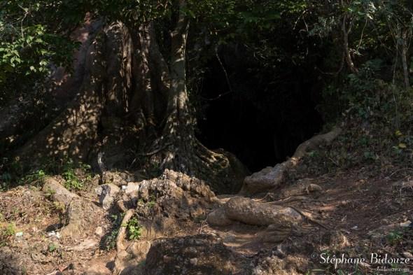 grotte-entree-hang-chieu