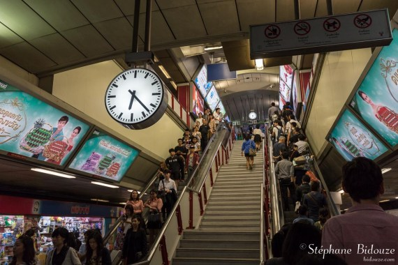 bangkok-bts-escaliers-