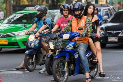 bangkok-moto-taxi-femme-thai