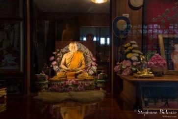 moine-bouddhiste-sculpture-cire