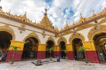 Mahamuni-pagode-cour