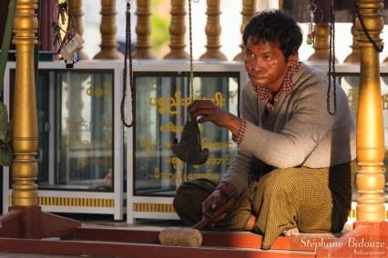 kyeezee-gong-Kuthodaw-pagoe-mandalay-homme