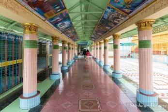 Les arcades de la pagode Soon U Ponya Shin Paya