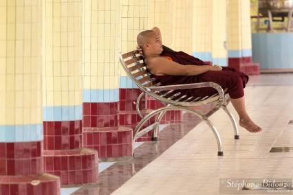 moine-birmanie-myanmar-repos