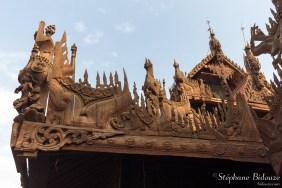 Shwe-In-Bin-Kyaung-monastère-sculpture