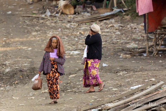 mandalay-woman-poverty-slum