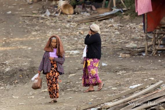 mandalay-woman-poverty-slum