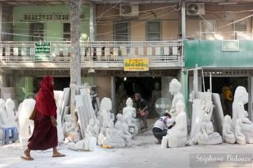 artisans-rue-mandalay-Mahamuni