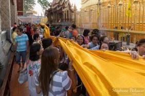 procession-religieuse-bouddhisme-thailande