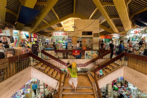 Cho-Binh-Tay-intérieur-chinatown-saigon