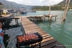 thailande-brochette-grillade-village