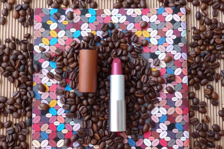 Colorisi-maquillage-au-café-Rouge-à-lèvre-framboise